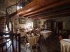 La sala da pranzo dell'Agriturismo Arcera a Roccafluvione nelle Marche