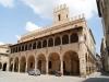 il-Palazzo-Comunale-di-Offida-nelle-Marche