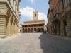 piazza-del-Popolo-di-Offida-nelle-Terre-del-Piceno