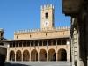 il-palazzo-comunale-di-offida-sede-anche-del-teatro-storico-serpente-aureo